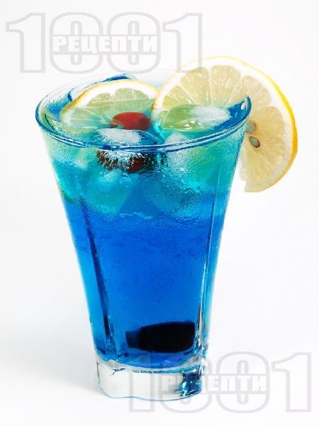 Коктейл Синята Лагуна (Blue Lagoon) - снимка на рецептата